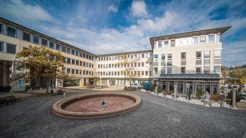 Foto: Bürogebäude der TU Dresden am Falkenbrunnen