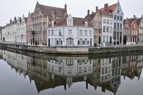Brugge city-water-buildings