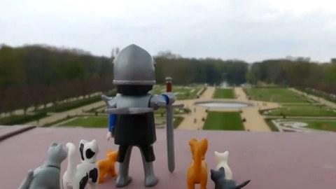 Ritter Knalltsbald schaut auf das Parterre eines Barockgartens