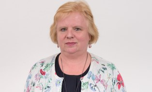 Porträt Angela Hendel