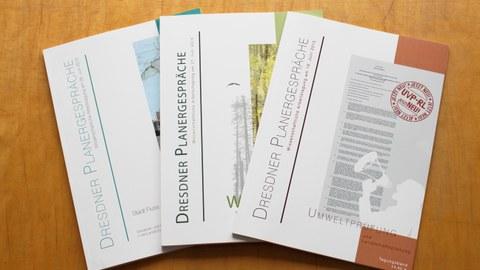 Das Foto zeigt die Cover der am Institut erhältlichen Dokumentationen der Planergespräche.