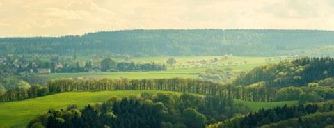Foto einer Hügellandschaft