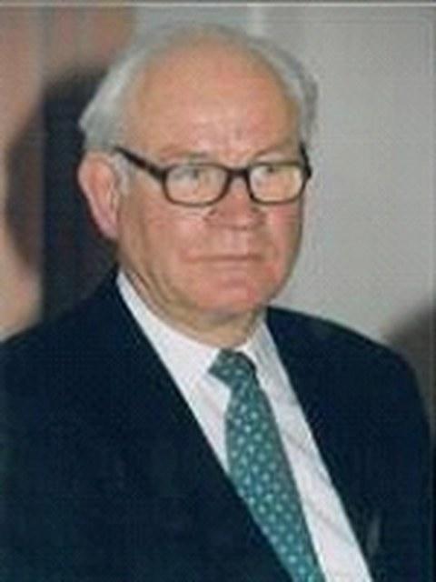 Prof. Dr. Dr.-Ing. E. h. Gottfried Kiesow