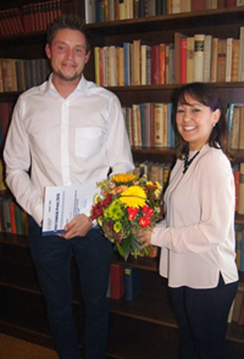Marcel Kun (Preisträger 2015), Steffi Wagner (Vorsitzende des Alumnivereins)