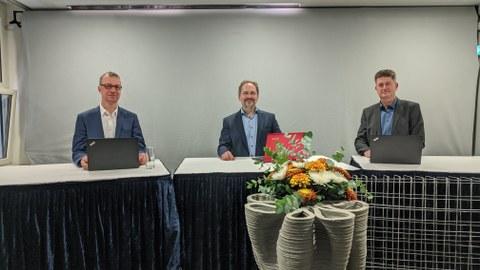 Industrieseminar Beton-3D-Druck am 28.10.2020, zu sehen ist Prof. Dr.-Ing. Jens Otto, Prof. Dr.-Ing. Viktor Mechtcherine, Prof. Dr.-Ing. Frank Will.jpg