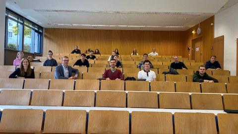 Gruppenbilder der Vertieferstudenten der Studienrichtungen Baubetrieb und Gebäude-Energie-Management