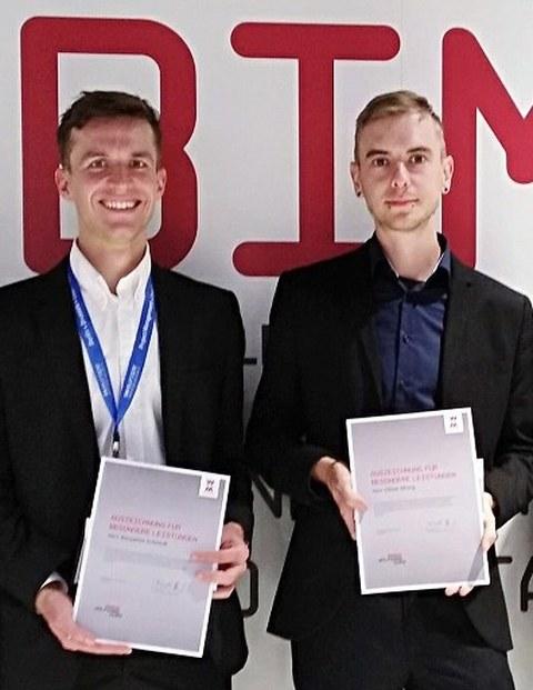Benjamin Schmidt (links) und Oliver Mosig zur Preisverleihung in München
