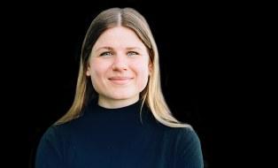 Foto zeigt ein Portrait von Clara Schramm