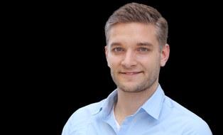 Foto zeigt ein Portrait von Herrn Daniel Gebauer