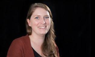 Portrait zeigt Johanna Monka