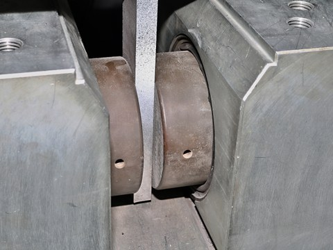 Hydraulic clamping jaws