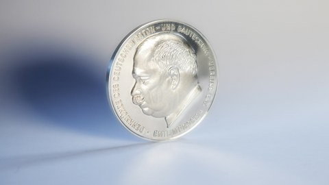 Photo shows the obverse of the Emil Mörsch Memorial Coin 2019 with the image of Emil Mörsch