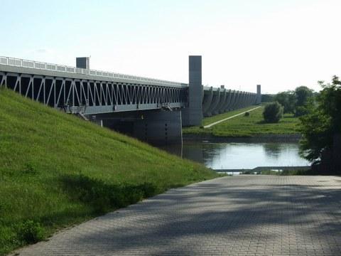 Kanalbrücke über die Elbe