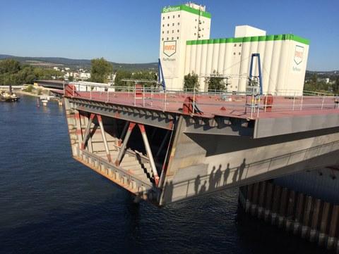 Querschnitt des Stahlhohlkastens der Schiersteiner Brücke