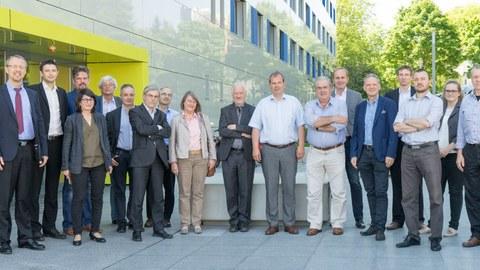 Technisches Komitee – Structural Stability (ECCS – TC8) vor dem Gebäude Haus 116 der TU Dresden