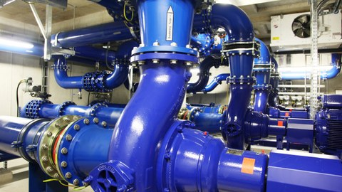 Pumps in the hydraulic engineering hall