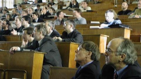 Prof. Horlacher und Prof. Martin beim Wasserbaukolloquium 2003
