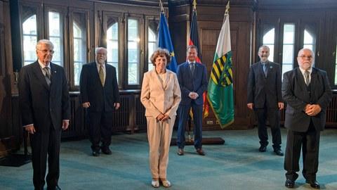 Preisträger des Bundesverdienstkreuzes in der sächsischen Staatskanzlei