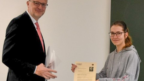 Übergabe des Johann-Ohde-Preises an Selma Schmidt