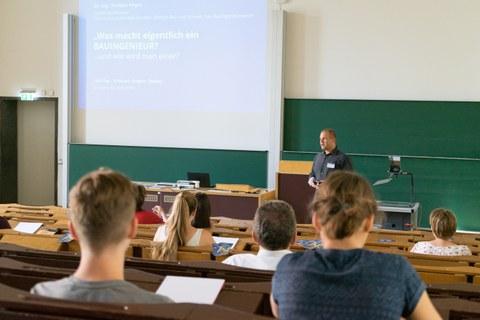 Dr. Torsten Heyer, Vorlesung