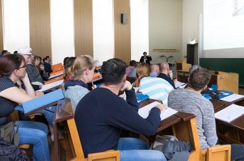 Este Vorlesung für die Fernstudenten