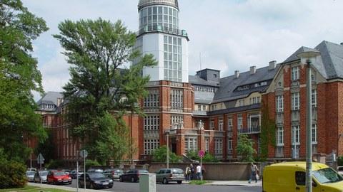 Beyer-Bau der TU Dresden