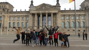 Participants in front of the Bundestag building in Berlin