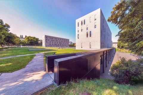 Library building (SLUB)