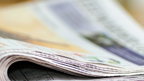 gefaltete Zeitung
