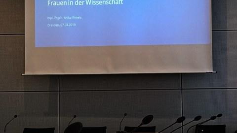 Präsentation zum Thema Frauen in der Wissenschaft