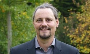 Prof. Lukas Giessen