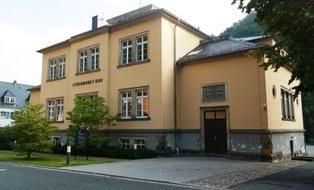 Stöckhardt-Bau, Sitz des Institutes