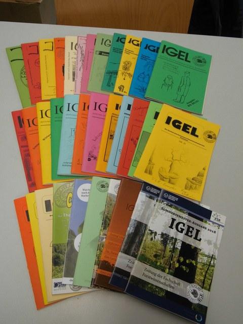 Sammlung von von erschienenen Igelzeitschriften.