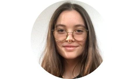 Portrait von Sophie Schlenker
