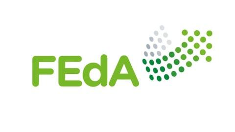 Logo der Forschungsinitiative FEdA als Schriftzug und ein Pfeil mit Punkten dargestellt, alles in grün