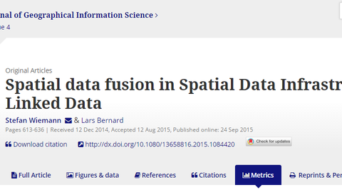 Spatial data fusion in Spatial Data Infrastructures using Linked Data