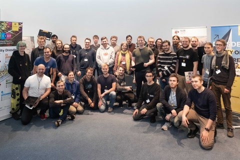 Gruppenbild Hackathon 2019