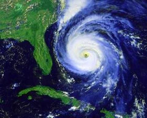 Abb. 9-27: Wirbelsturm Fran über Florida