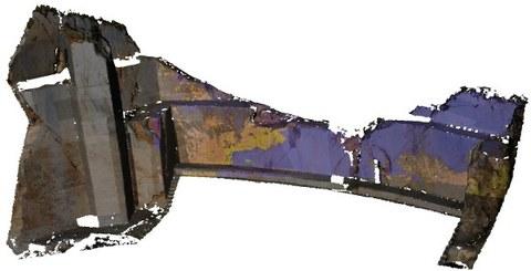 Abb. 1: 3D Modell eines Geologischen Aufschluss, eingefärbt mit Echtfarben (links) und hyperspectralem Klassifikationsergebnis (Mittelteil), (Uni CIPR, 2012)