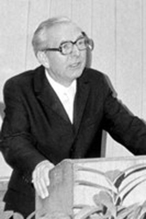 Prof. Steinert