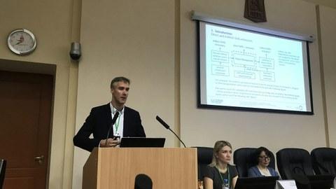 Dr. Christoph Wünsch während seines Vortrages in Perm in Russland im Dezember 2019