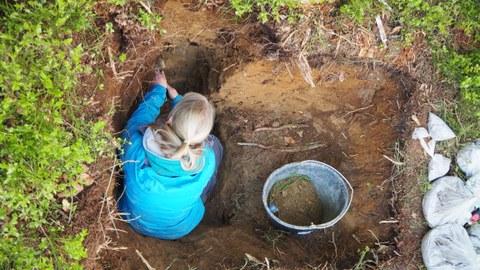BeschreibungIm Rahmen der Feldkampagne wurden u.a. auch Bodenuntersuchungen durchgeführt und Bodenproben genommen.