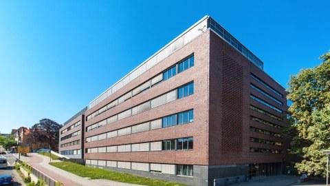 Chemie-Neubau, hier ist der Sitz der Fachrichtung Hydrowissenschaften