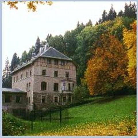 Foto vom Gebäude der Ökologischen Station Neunzehnhain