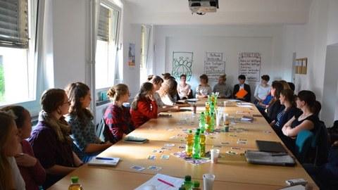 Blick in die Runde der Teilnehmerinnen