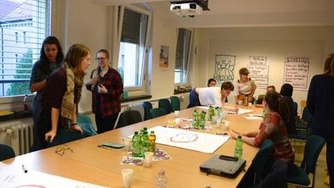 Arbeit der Teilnehmerinnen im WorldCafé