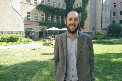 Dr. Johan van Tol
