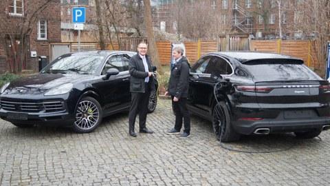 Fahrzeugübergabe Porsche an die Professur