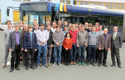 Studenten der TU Dresden beim Jenaer Nahverkehr_1