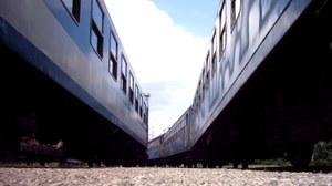 Zwischen zwei Personenzügen